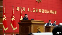 김정은 북한 국무위원장이 지난 4일 평양에서 열린 제1차 시군당책임비서강습회에서 연설했다.