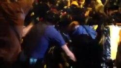 香港警民对峙 警察特首办外清场