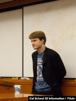 북한에서 열린 가상화폐 회의에 참석했다가 지난해 11월 미 연방수사국(FBI)에 체포된 미국인 버질 그리피스 씨. 사진 제공: Cal School Of Information.