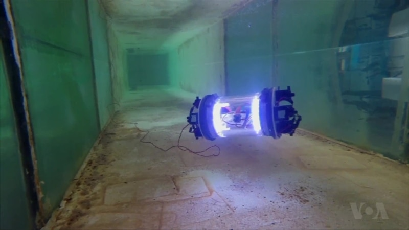 Mini Aquatic Robot Dives Into Nuclear Disaster Areas