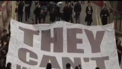 2014-03-02 美國之音視頻新聞: 香港13000人遊行譴責暴力攻擊
