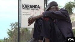 The Karanda Mission Hospital, about 200 kilometers north of Harare, Zimbabwe, is overwhelmed by patients seeking treatment. (Columbus Mavhunga/VOA)