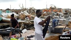 Le quartier de Mudd, dévasté après que l'ouragan Dorian a frappé les îles Abaco à Marsh Harbour, aux Bahamas, le 6 septembre 2019.