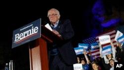 မဲဆြယ္ပြဲတခုတြင္ ေတြ႔ရသည့္ Bernie Sanders. (ေဖေဖာ္ဝါရီ ၂၁၊ ၂၀၂၀)