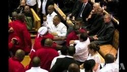 Julius Malema expulso do Parlamento a 12 de Fevereiro 2015