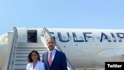 سفیر بحرین و همسرش پس از ورود به اسرائیل، روز سهشنبه در فرودگاه بنگوریون