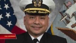 Chiến hạm Mỹ USS John S. McCain có chỉ huy là người gốc Việt