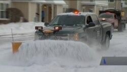 Значна територія США опинилися у полоні арктичного циклону. Відео
