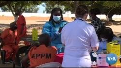 Reclusos são vacinados em Moçambique contra a COVID-19