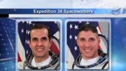 美國宇航員開始太空行走