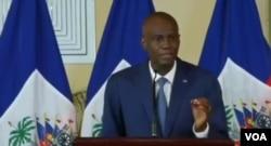 Haitian Président Jovenel Moïse welcomes new members of electoral council, Sept. 22, 2020. (Yves Manuel/VOA Creole)