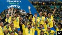 برزیل مدافع عنوان قهرمانی