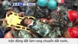 Cậu bé Nepal 15 tuổi sống sót dưới khách sạn bị sập (VOA60)
