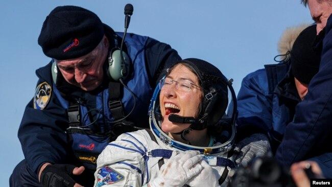 Phi hành gia của NASA Christina Koch vừa trở về trái đất trong phi thuyền Soyuz MS-13 của Nga, ngày 6 tháng 2 năm 2020.