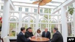도널드 트럼프 미국 대통령과 김정은 국방위원장이 지난해 2월 베트남 하노이 소피텔 레전드 메트로폴 호텔에서 2차 정상회담을 했다.