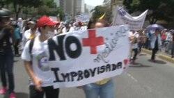 """Oposición venezolana marchó """"por la salud y la vida"""""""