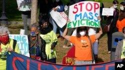 Protesti protiv pridnudnog iseljenja u Bostonu