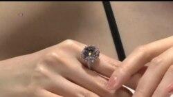 2013-10-08 美國之音視頻新聞: 天價鑽石香港拍賣