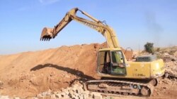 Kurds Dig Trenches in Areas Bordering IS-held Territory