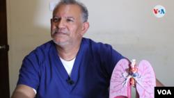 El doctor Javier Núñez, vicepresidente de la Unidad Médica Nicaraguense. Foto Houston Castillo, VOA.
