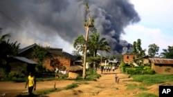 Le camp de la Monusco en feu à Beni en RDC le 25 novembre 2019.