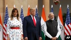 Donald Trump et son épouse accueillis en grande pompe en Inde