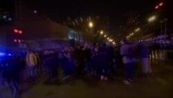 Vive tension à Chicago après la diffusion d'une vidéo montrant un policier blanc abattant un adolescent noir