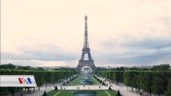 Nîgarkêşê Frensî Saype Berhemeke Xwe li Ber Birca Eiffel Pêşan Dide
