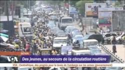 Des jeunes au secours de la circulation routière