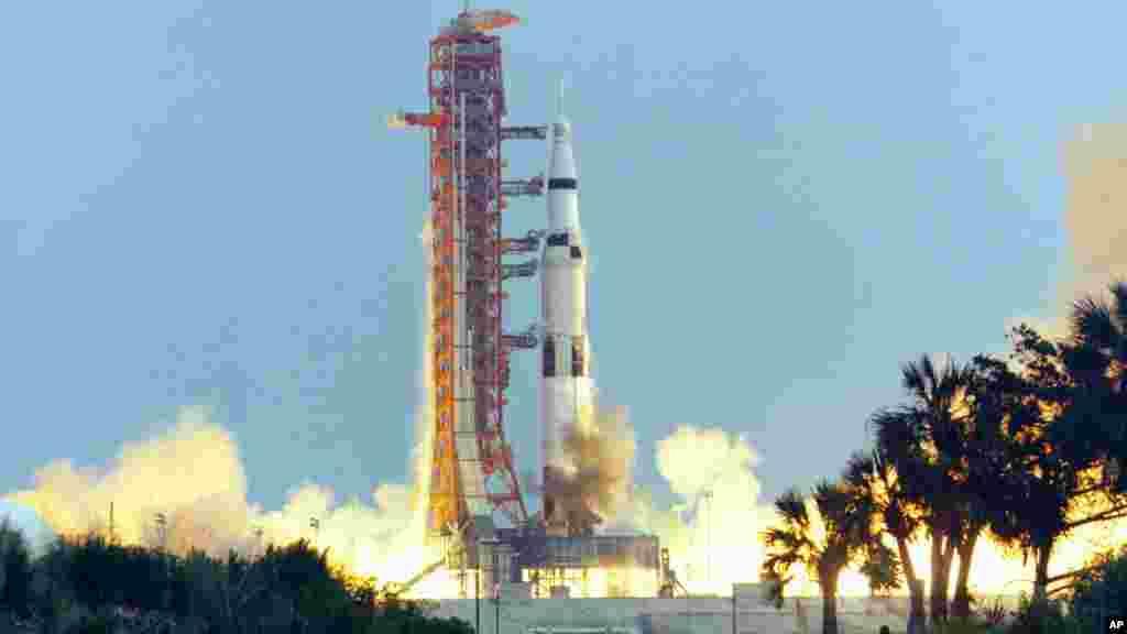 پرتاب موشک فالکون اسپیساکس از همان سکوی پرتاب تاریخی مرکز فضایی کندی در فلوریدا صورت خواهد گرفت که پیش از این ماموریت مهم و تاریخی اعزام انسان به کره ماه از آن انجام شده بود.