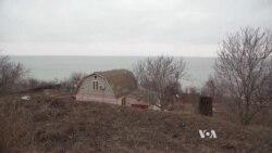 Ukrainian Volunteers Prepare to Defend Mariupol