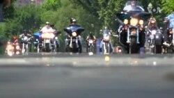 สิงห์นักบิดไทยร่วมอำลามหกรรมพาเหรดจักรยานยนต์ Rolling Thunder ที่จัดเป็นครั้งสุดท้าย