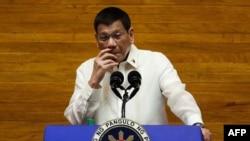 Presiden Filipina Rodrigo Duterte di Manila, 26 Juli 2021. (LISA MARIE DAVID / POOL / AFP)