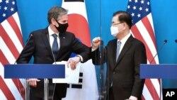 Ngoại trưởng Antony Blinken và người đồng nhiệm Hàn Quốc Chung Eui-yong trong cuộc gặp ở Seoul hồi tháng Ba.