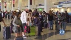 Рекордна з початку пандемії кількість американців цього тижня подорожує. Відео