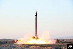 이란이 지난 2015년 10월 공개한 '이마드' 장거리탄도미사일 발사장면. 북한 로동미사일의 사거리를 늘린 것으로 알려져있다.