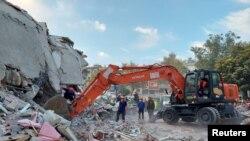 زلرلے سے ازمیر میں کئی عمارتوں کو نقصان پہننچا، 30 اکتوبر 2020