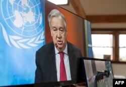 Sekjen PBB Antonio Guterres saat menggelar konferensi pers virtual di Markas Besar PBB di New York, 3 April 2020. (Foto: dok).
