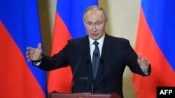 TT Nga Vladimir Putin đọc diễn văn tại Sevastopol, trong vùng Nga chiếm đóng ở Crimea, ngày 18/3/ 2020. (AFP)