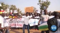 Manifestation contre l'embargo de l'ONU sur la livraison d'armes