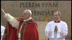 2013-03-24 美國之音視頻新聞: 教宗方濟首次主持聖枝主日彌撒