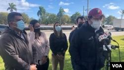 El ministro consejero del gobierno interino de Juan Guaidó, Gustavo Marcano, durante una conferencia frente al Centro de Detención de Broward, en Florida. Diciembre 28, 2020. Foto: Antoni Belchi - VOA.