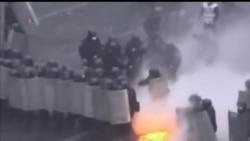 2014-02-21 美國之音視頻新聞: 烏克蘭政府宣布提前舉行大選