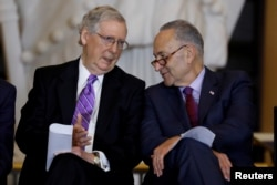 Senato Cumhuriyetçi Çoğunluk Lideri Mitch McConnell ve Senato Demokrat Azınlık Lideri Chuck Schumer