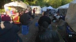 Чого безхатченки американського Сієтла будують громади та цілі наметові містечка. Відео