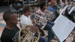 洛杉矶内城青年管弦乐团展现青年人才华