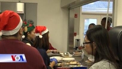 Người Việt đem Giáng sinh đến với người vô gia cư tại Mỹ
