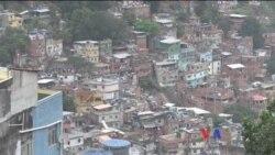 Recorriendo la favela de Rocinha
