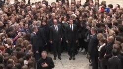 Phút mặc niệm nạn nhân khủng bố ở Pháp