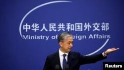 Phát ngôn viên Bộ Ngoại giao Trung Quốc Uông Văn Bân.